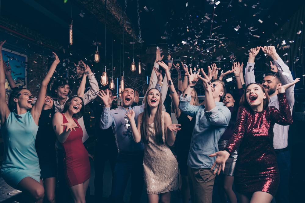 Conseils pour bien organiser une soirée entre célibataires